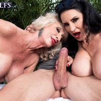 Aged lady Rita Daniels and her gf seduce and blow off a younger dude
