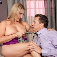 Leggy blonde MILF over 60 Luna Azul revealing big natural mature tits for nip play