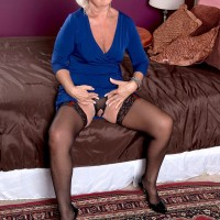 Over 60 MILF Jeannie Lou flashes some leg while seducing a younger gentleman