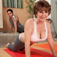 Big-boobed Sixty plus MILF Bea Cummins exposing hefty juggs in yoga pants and g-string skivvies