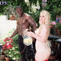 Blond grannie Robin Pachino seduces a stud with a monster-sized black penis outdoors