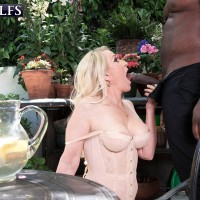 Golden-haired grandma Robin Pachino entices a guy with a massive ebony junk outdoors