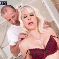 Gorgeous granny Gal S blows her masseuse after a nude massage