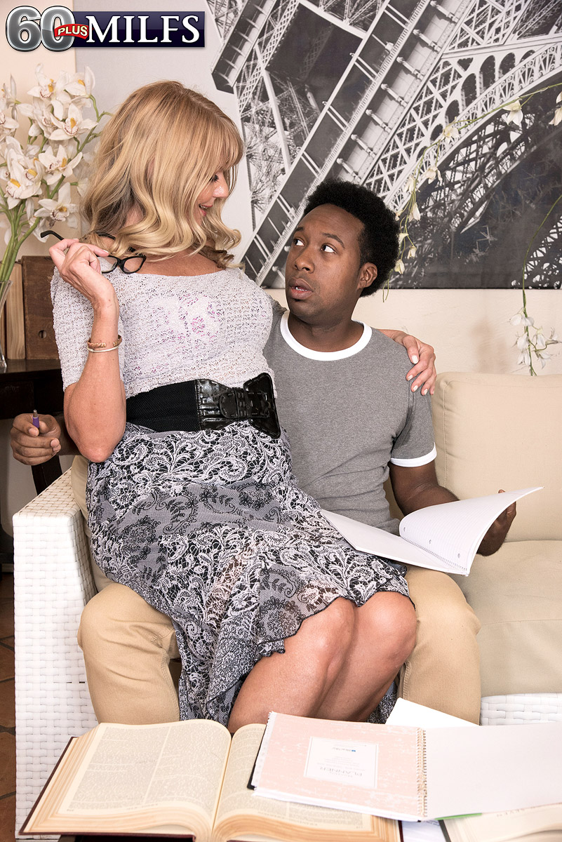 Gorgeous granny Mia Magnusson gets ravaged doggystyle after seducing an ebony dude