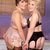 Kinky grandmothers Bea Cummins and Jewel tongue smooch and give big junk dual ORAL JOB