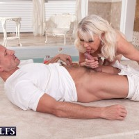 Tempting grandma Dame S blows her masseuse after a rubdown and losing her boulder-holder